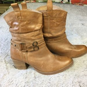 Steve Madden tan leather boots 10